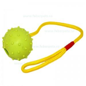 Jucarie pentru caini minge cu sfoara 7,5 cm